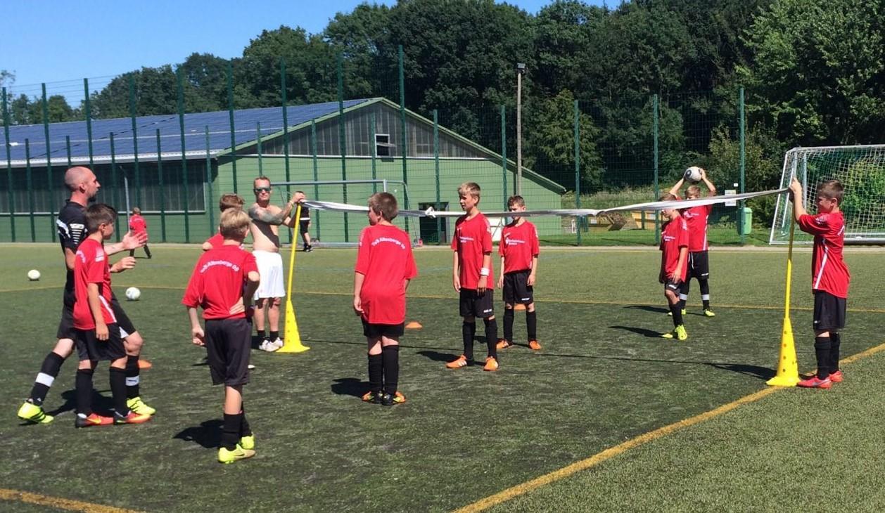 Sparkassen-Camp 2016 : Fußball spielen in den Sommerferien - wieder ein Erfolg!