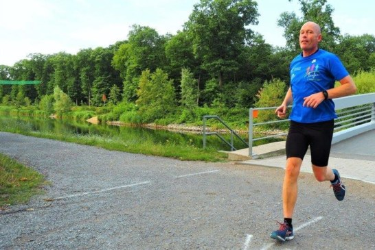 Norbert Sommer beim 1. Regattabahn 50 Km Ultralauf