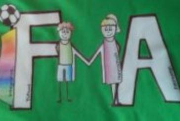 Turnier der IFMA: 60 begeisterte Fußballerinnen und Fußballer mit und ohne Handicap in der Soccerhalle